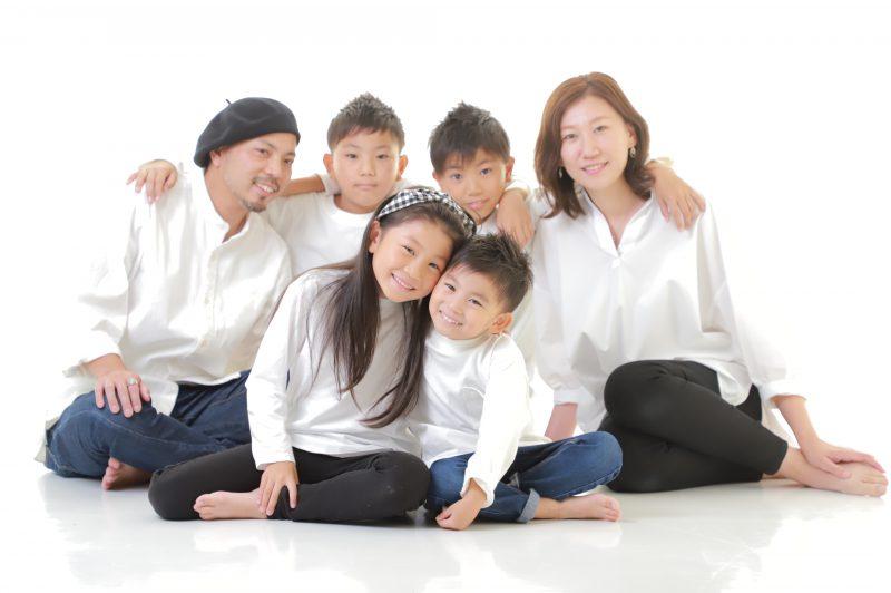 カジュアル家族写真